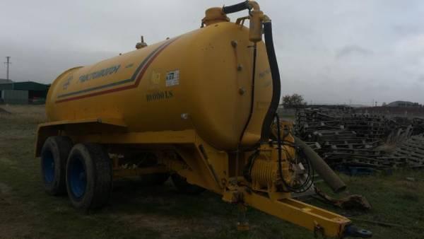 Cisterna tractomotor 10.000 L.