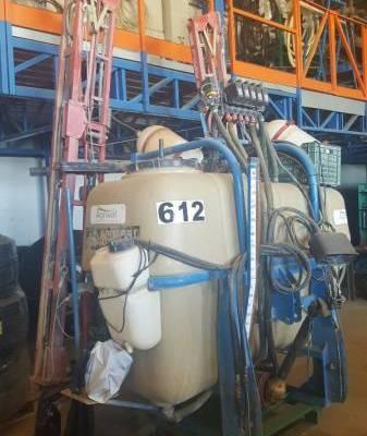 Pulverizador SUS. AGUIRRE de 1200 L. 12 M.