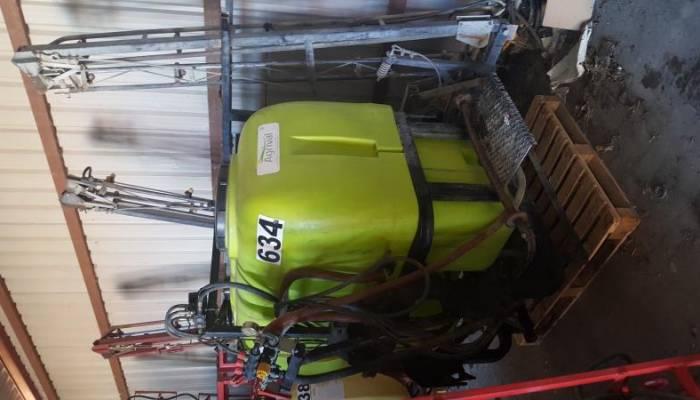 Pulverizador SUS. GAMA de 1200 L. 12 M.